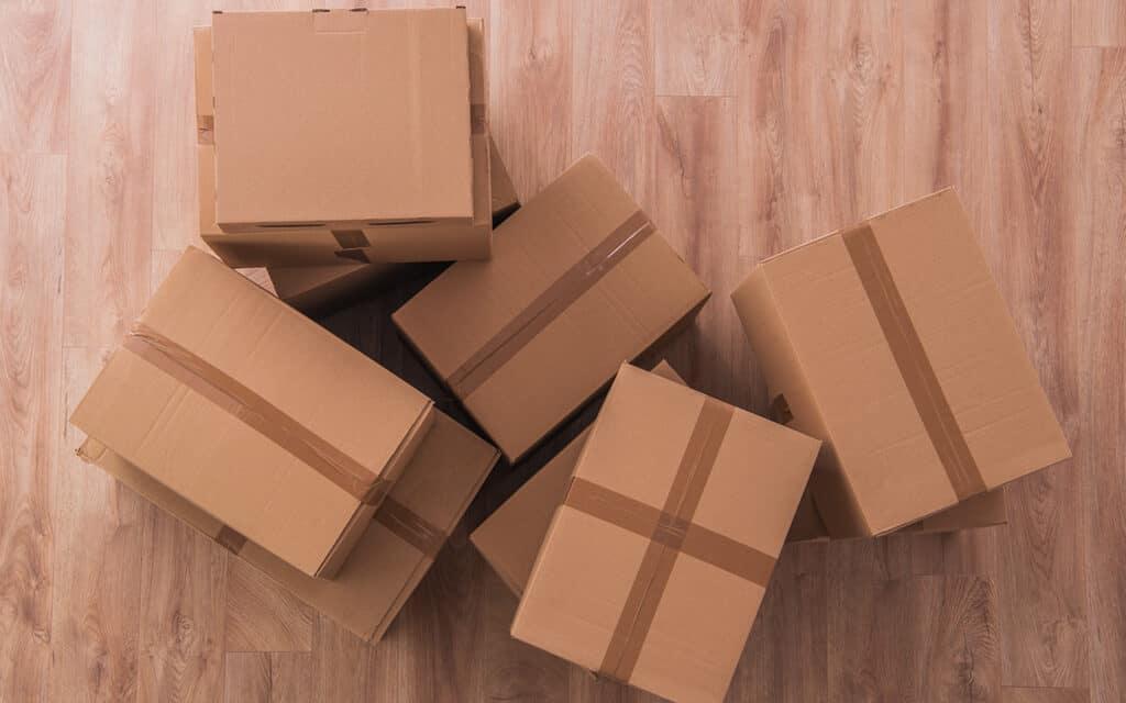 Verhuisdozen in woning